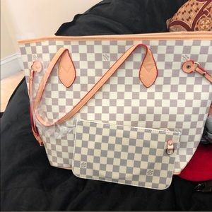 White and grey checkered tote with coin purse